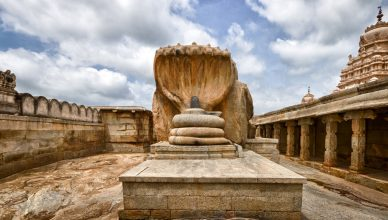 How to reach famous and beautiful Lepakshi temple