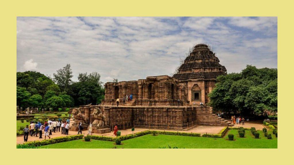 How to reach Konark Temple
