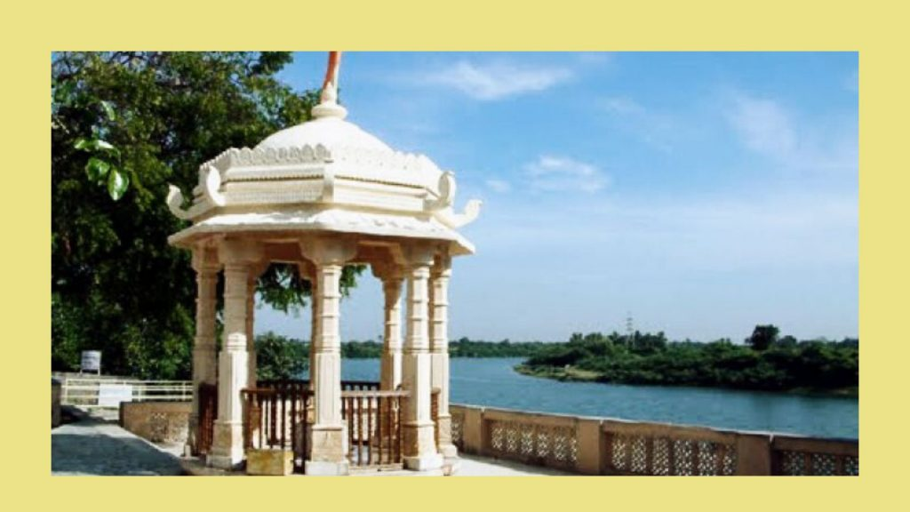 Dehotsarg-Teerth-near-Somnath-temple.jpg
