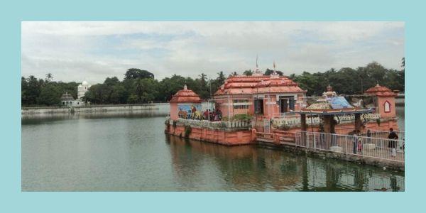Narendra Sarovaranear jagannath temple