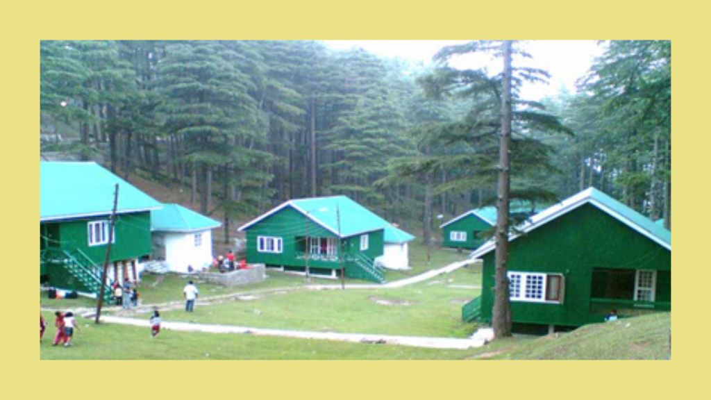 Patni Top – it is a beautiful resort with plateaus, which is located at 112km from Jammu.