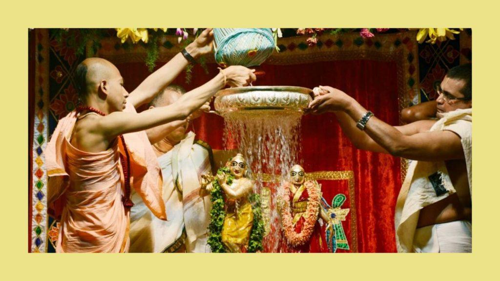 ri-krishna-janmasthami-abhisheka