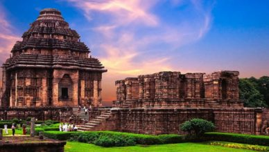 How to reach Konark Temple