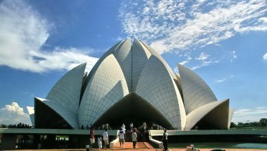 accommodation near lotus temple