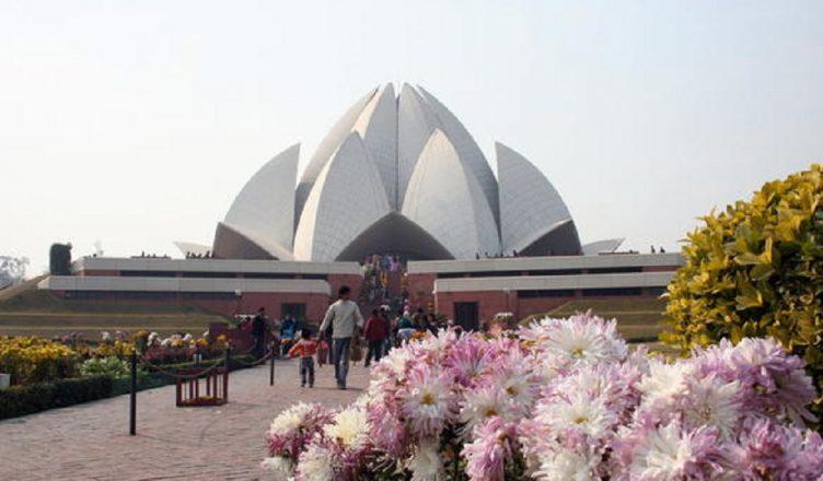 visiting places around lotus temple